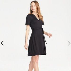NWT ANN TAYLOR BLACK FLUTTER SLEEVE WRAP DRESS